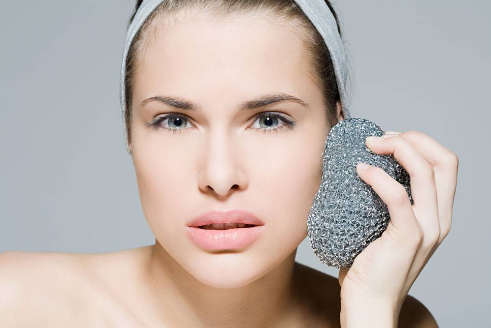 Common Misunderstandings in Eye Skincare