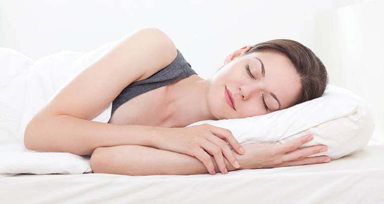 Correct sleeping posture to protect your neck
