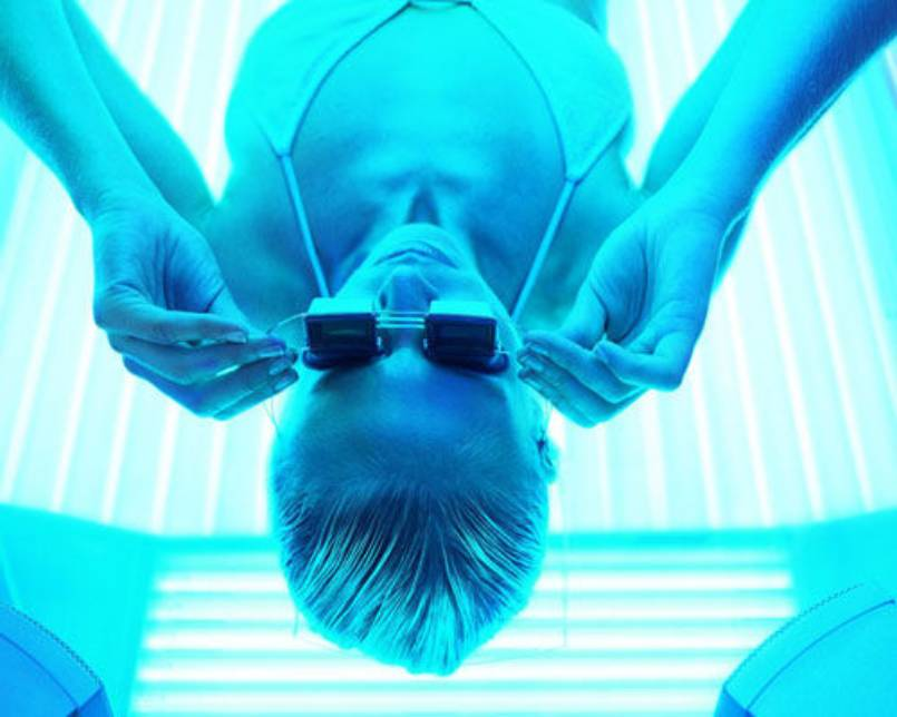 The Best Ways to Tan Without Damaging Your Skin
