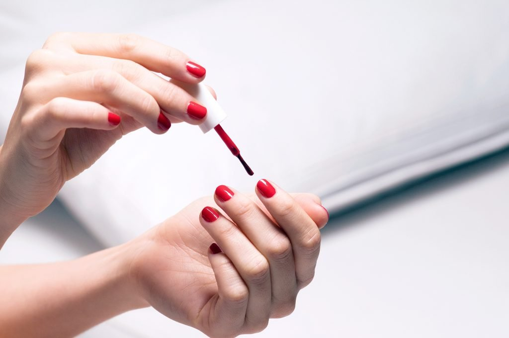 Avoid Painting on Oily Nails
