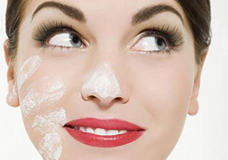 Removing Blackheads: Causes and Solutions