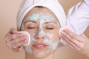How to manage oily and acne-prone skin
